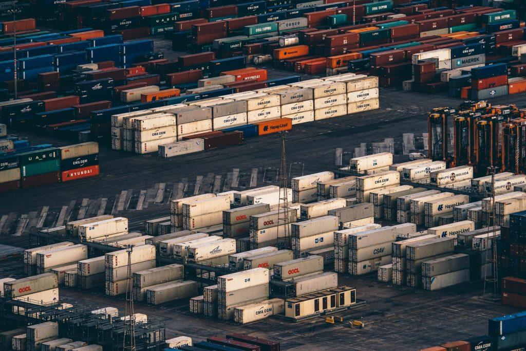En octubre cayeron las exportaciones un 14% y las importaciones un 3%