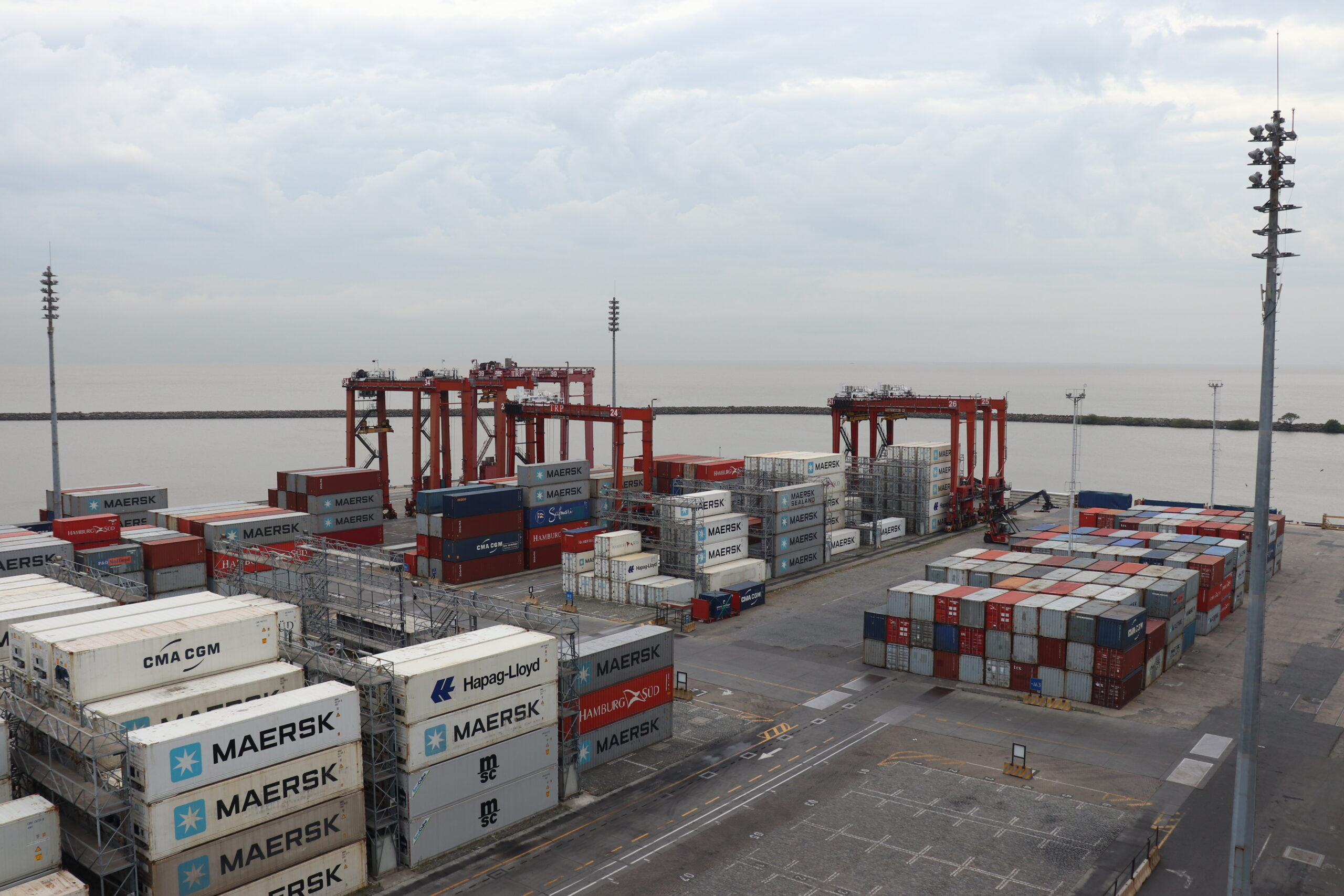 Informan un aumento de las exportaciones en contenedores a través de las terminales de Puerto Nuevo