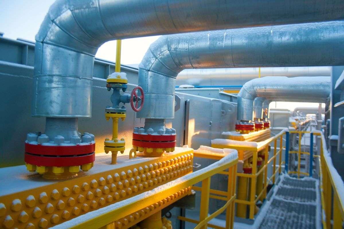 FIEL: la producción industrial recortó el retroceso interanual en septiembre