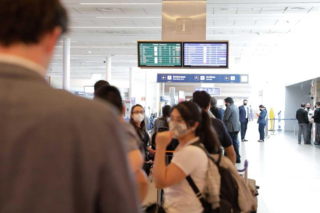 Reanudan los vuelos internacionales regulares en Argentina