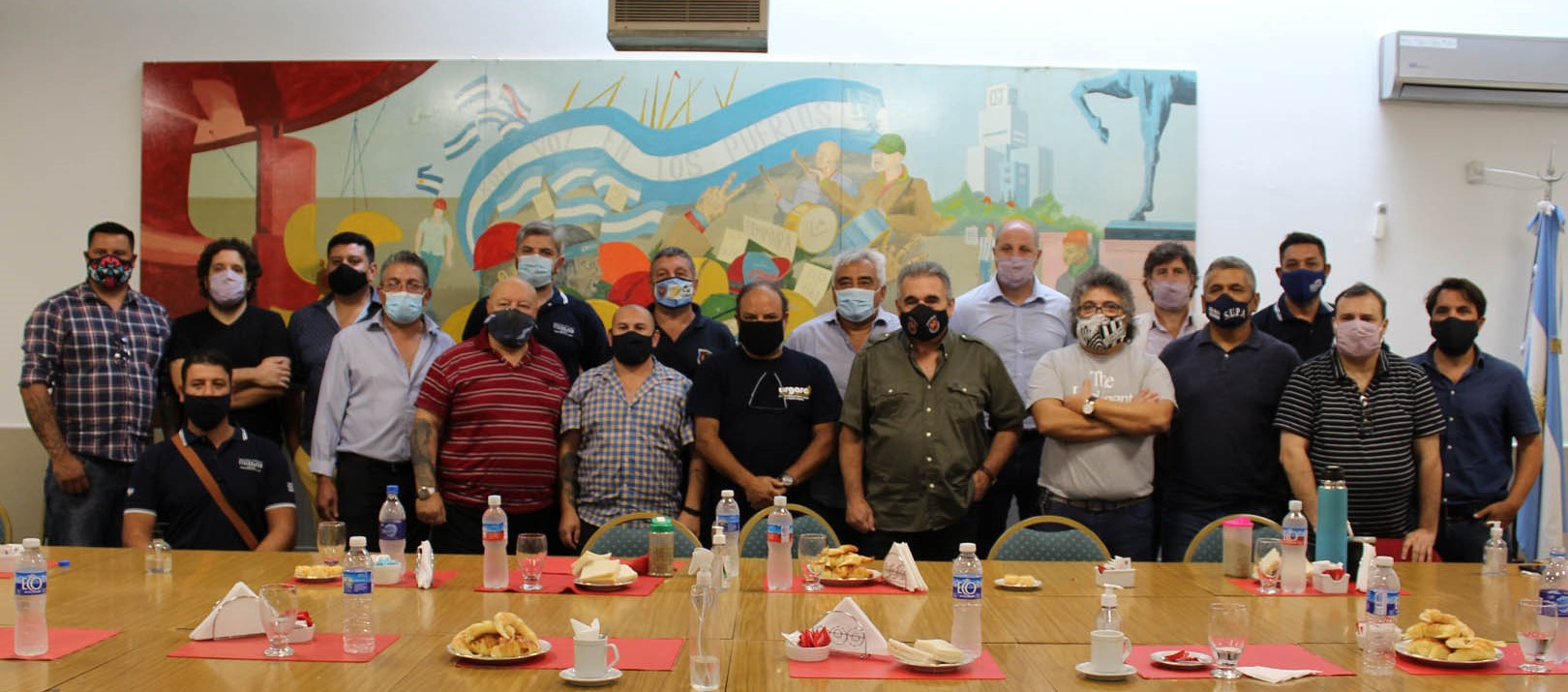 Nace una nueva confederación sindical portuario-aceitera