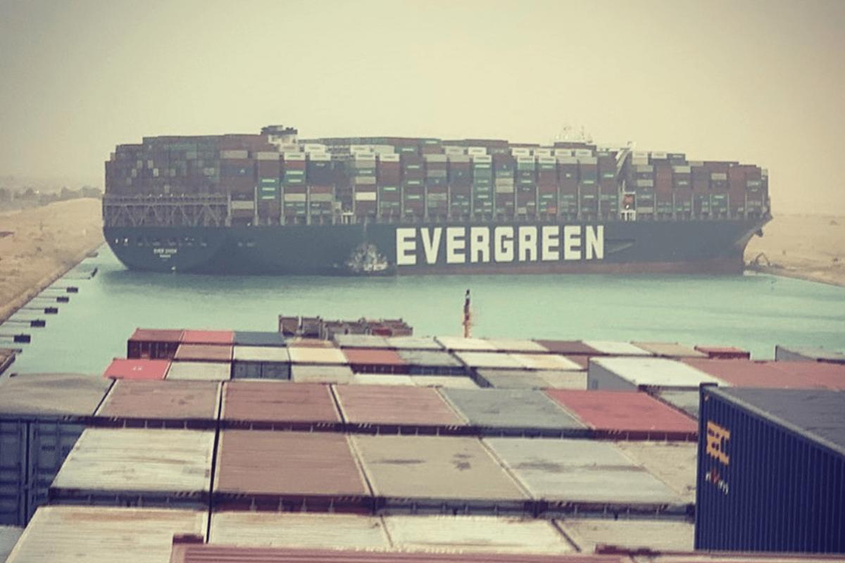 Implicancias, explicaciones y efectos del buque encallado en el Canal de Suez