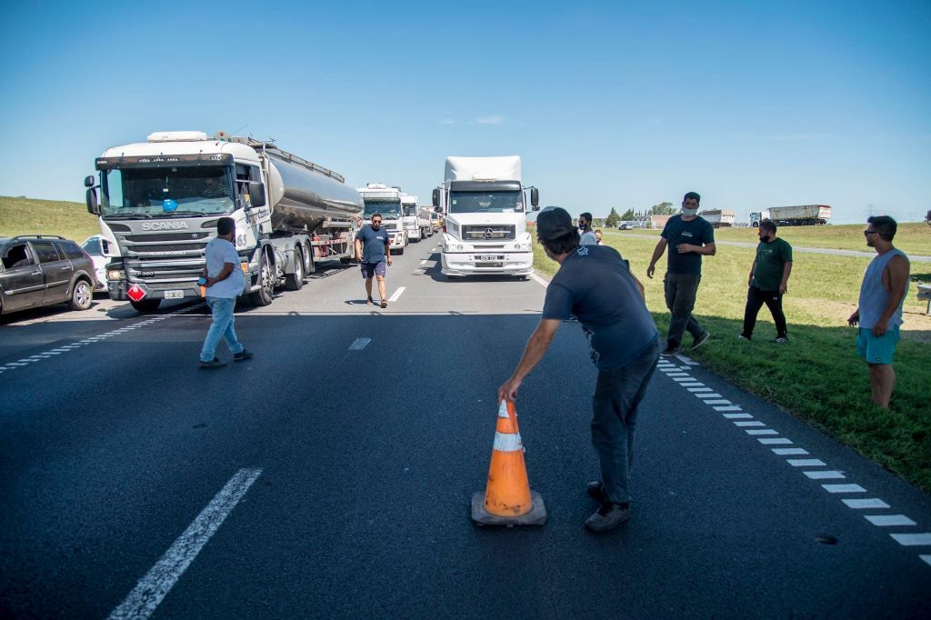 Quejas de cargadores por la falta de una política de Estado para la logística en general