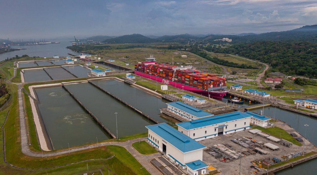 Terminales y navieras adoptan compromiso global para reducir las emisiones de gases contaminantes