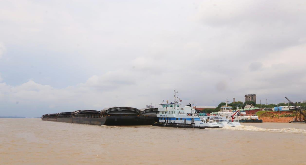 Paraguay autoriza a la marina mercante argentina a embarcar exportaciones en puertos de ese país