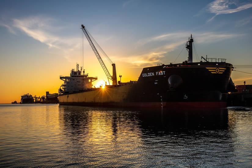 Bahía Blanca exhibe cifras récord y busca ser el puerto de aguas profundas del futuro